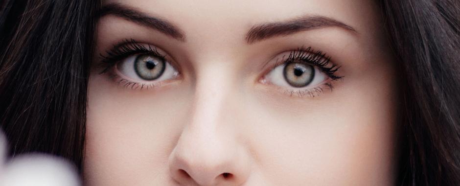 La micropigmentación no sustituye el maquillaje tradicional; sus resultados son naturales y elegantes. El principal objetivo de la micropigmentación es el embellecimiento de cejas, ojos y labios.